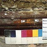 Flur im OG, profilierte Leiste war in Erstfassung braun, wahrscheinlich ursprünglich holzsichtig (Nadelholz).