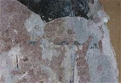 Küche, freigelegte Fragmente einer Wanddekoration (Fugenmalerei in Schwarz/Weiß auf hellem Wandanstrich ) in Fassung IV.
